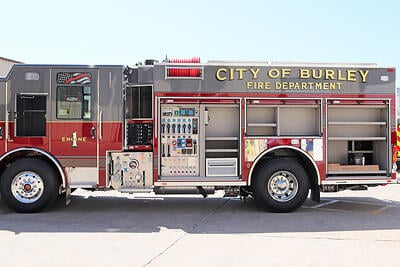 With a PUC, the pump is located under the cab, stationed to the left of the control panel. As such, the PUC creates two distinctive operating areas, allowing the pump operator to work independently while other firefighters manage the hose and discharges.