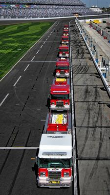 Pierce Daytona 500 Lineup on the Racetrack bird's eye view