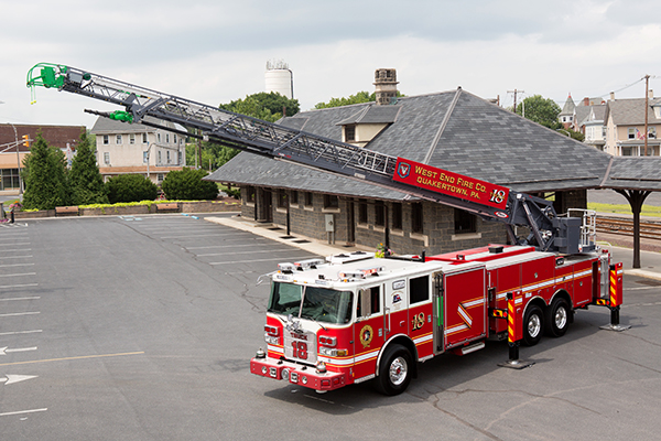 Pierce 105' Heavy-Duty Steel Aerial Ladder Fire Truck Extended