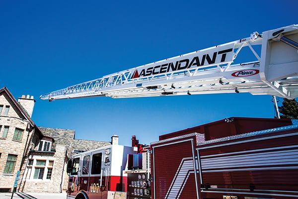 Pierce Ascendant 107 Heavy-Duty Ladder - Aerial Device