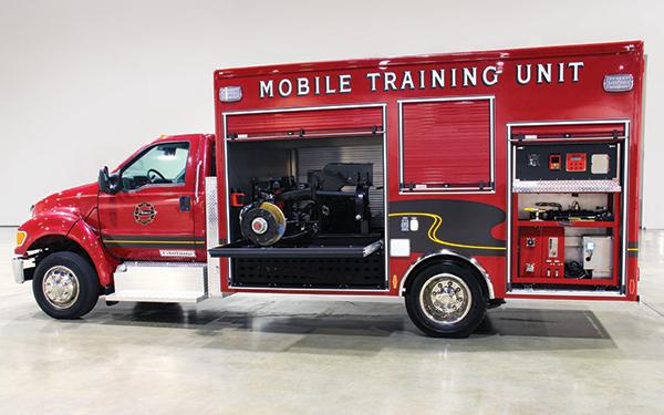 Pierce-Master-Technicians-Mobile-Training-Unit-Regional-Training