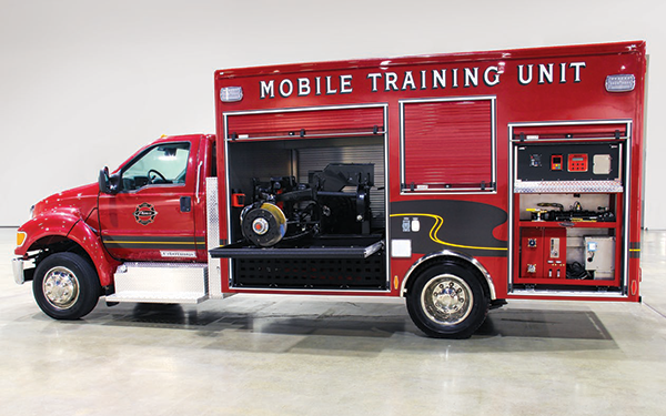 Pierce-Master-Technicians-Mobile-Training-Unit-Regional-Training