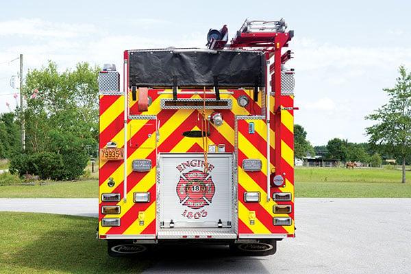 Pierce-Rear-Hosebed-Custom-Rescue-Pumper