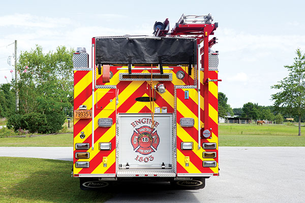 Pierce-Rear-Hosebed-Custom-Rescue-Pumper