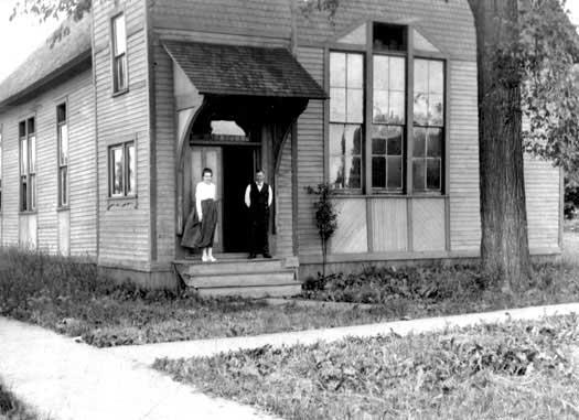 1913-pierce-founded.jpg