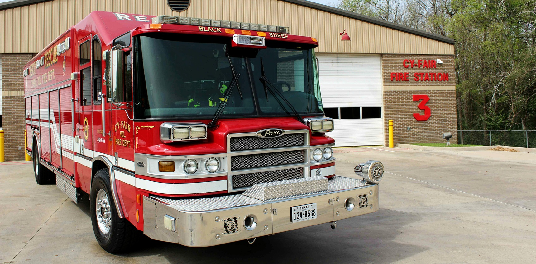Harris-County-Emergency-Services-District-in-Texas-Purchases-Ten-Pierce-Quantum-Apparatus_Header.jpg
